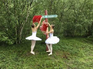 Marja Helander - Eatnanvuloš lottit - Maan sisällä linnut (2018)
