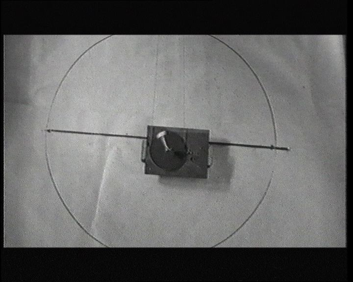 Mika Taanila: A Physical Ring (2002)